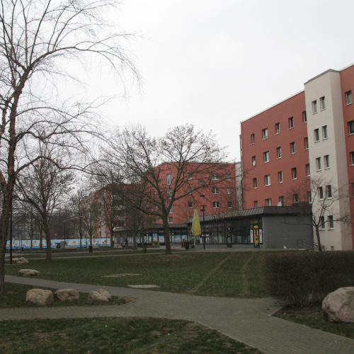 Bild Bild-1-Hellersdorfer-Promenade anzeigen
